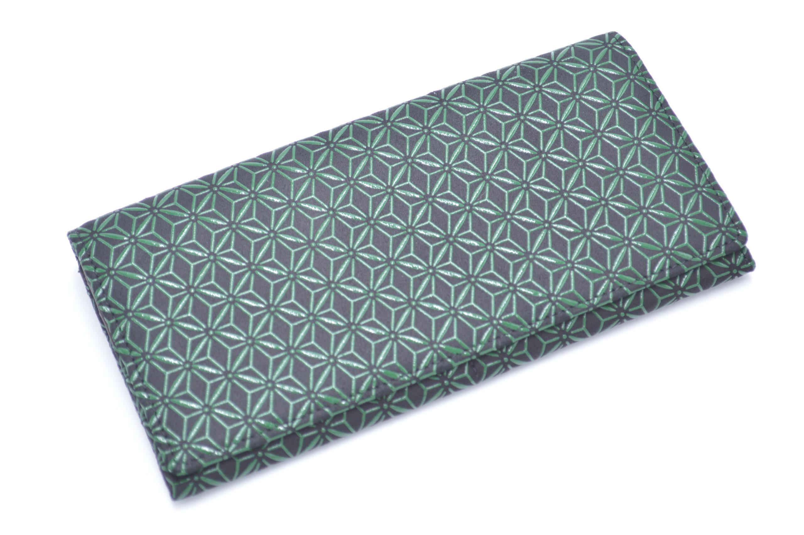 長財布E 黒/緑 麻の葉柄