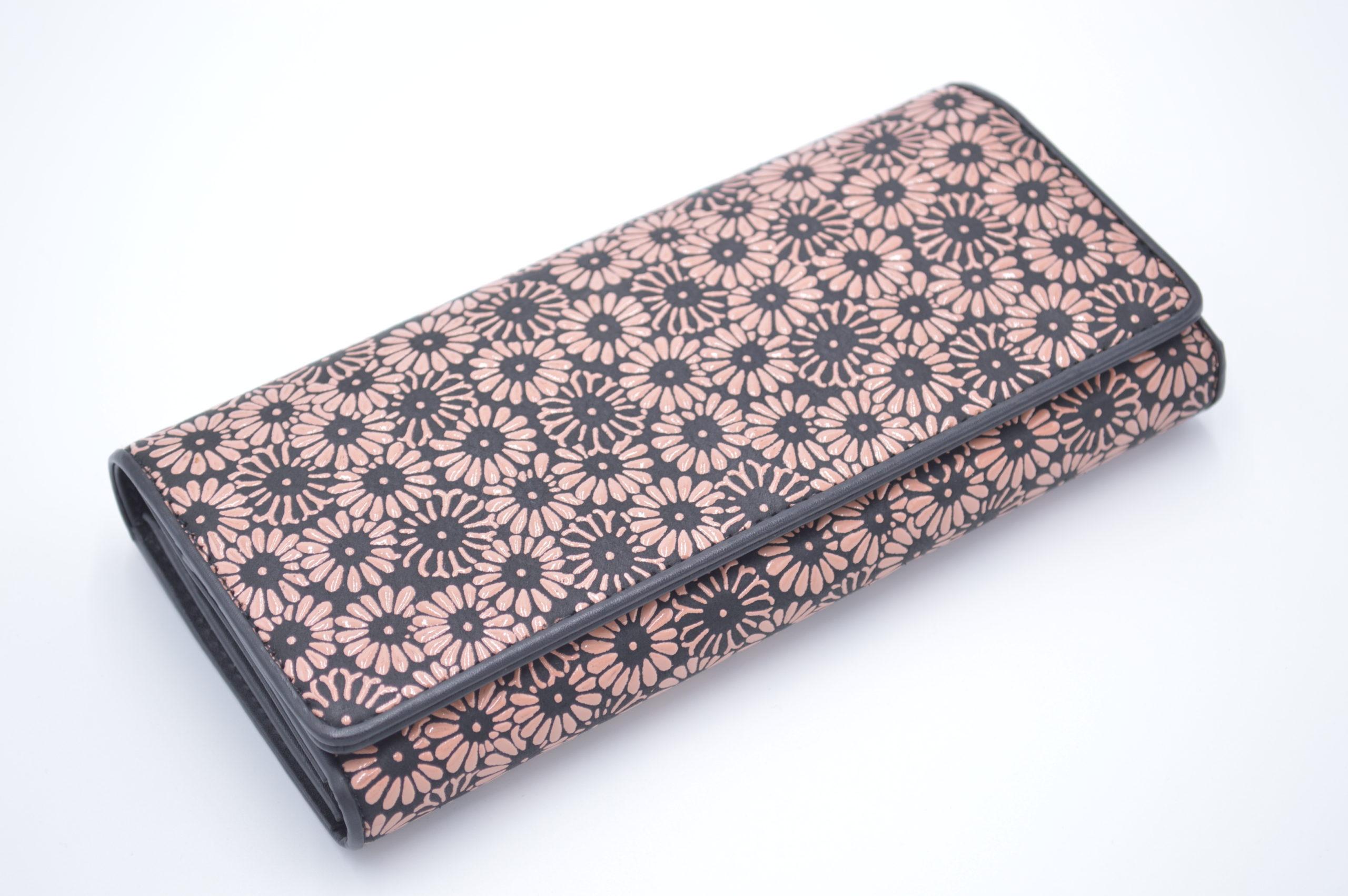 長財布B 黒/ピンク 重ね菊柄