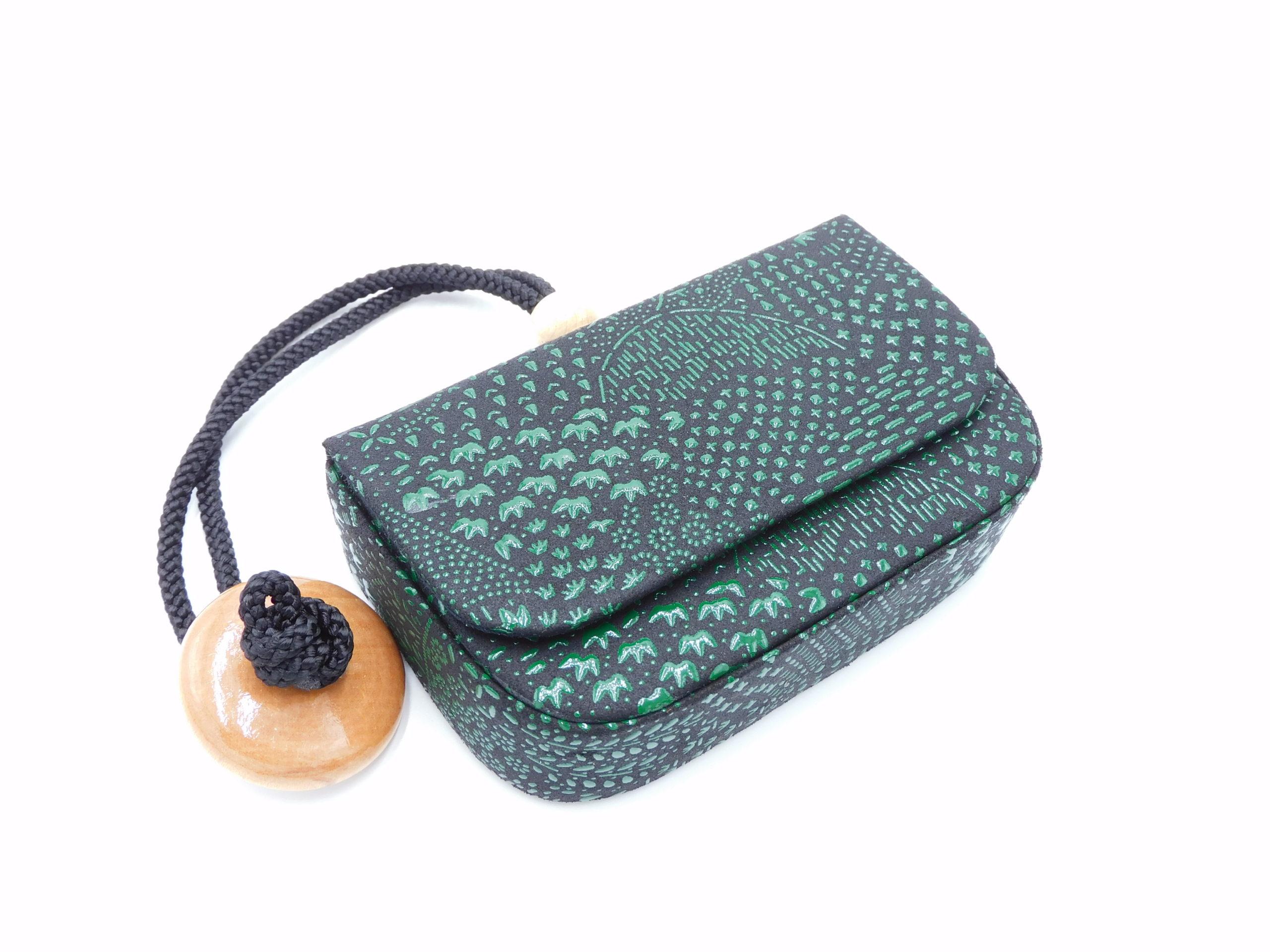 煙草入れ(箱型)叺 黒/緑 寄せ小紋柄